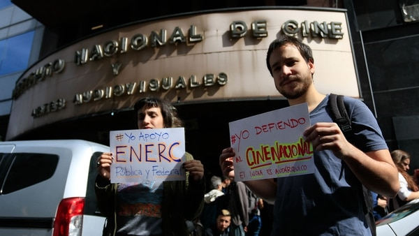 Manifestación de trabajadores del INCAA (NA)