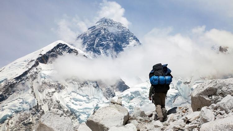 El récord anterior había sido de 179 alpinistas (Getty)