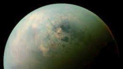 Titán, la mayor luna de Saturno es una apuesta mayor para la NASA a fin de encontrar vida (NASA)