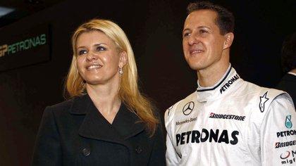 Corinna y Michael Schumacher durante la etapa del piloto en Mercedes (Hoch Zwei/ Juergen Tap)