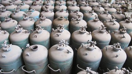 Un arsenal de garrafas de armas químicas