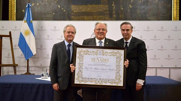 Alberto Barbieri recibió la mención de honor el año pasado en el Senado