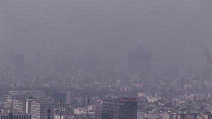 Continúan los altos niveles de contaminación en la Ciudad. Autoridades analizan mantener la Contingencia Ambiental y piden que la población tome precauciones (Foto: Cuartoscuro)