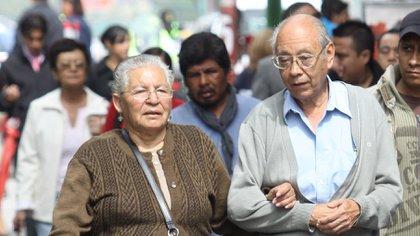 El sector de la tercera edad puede beneficiarse de los descuentos que se ofrecen a través de tarjetas de corte gubernamental en México (Foto: Rodolfo Angulo/ Cuartoscuro)