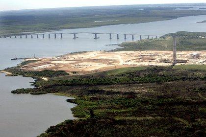 El puente internacional General San Martín es uno de los paso fronterizos entre Argentina y Uruguay