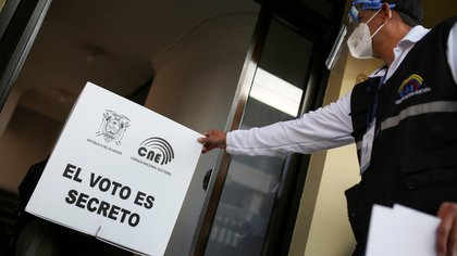 Early voting for second round of Ecuador's presidential election, in Quito