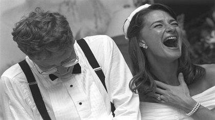 """""""Veinticinco años y tres niños después, seguimos riéndonos a carcajadas"""", afirmó Melinda en mensaje en Twitter al cumplir las Bodas de Plata.. El le respondió breve y directo: """"No puedo esperar a pasar otros 25 años riendo juntos"""".(Foto: Instagram@melindafrenchgates)"""