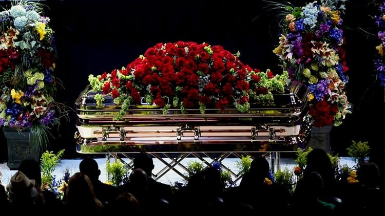 El funeral público de Michael Jackson se llevó a cabo en el Staples Center de Los Ángeles