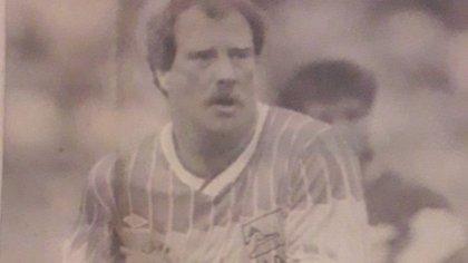 Cómo el rector de una universidad debutó en el fútbol mexicano a los 44 años