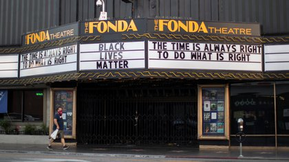 El Teatro La Fonda durante el brote de coronavirus, en Los Angeles, California, Estados Unidos (Picture taken July 13, 2020. REUTERS/Mario Anzuoni)