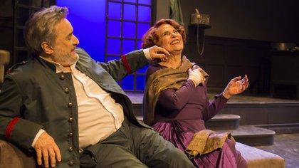 """Antonio Grimau y Leonor Manso, en un ensayo de """"Danza macabra"""", de Strindberg (Carlos Furman)"""