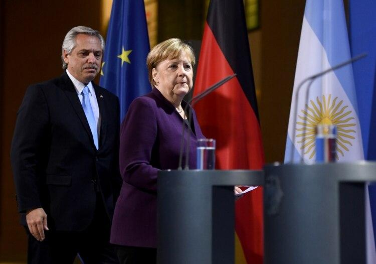 Alberto Fernández y Angela Merkel durante la visita oficial del mandatario argentino a Berlín (foto de archivo)