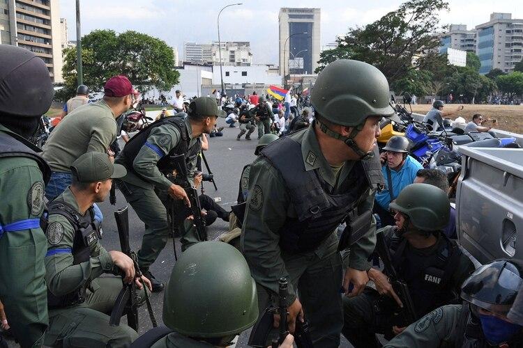 Los militares que se levantaron contra el régimen el 30 de abril pasado