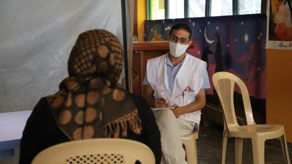 Los síntomas citados por los pacientes libaneses incluyen ataques de pánico, insomnio, olvido y falta de concentración, entre otros (MSF)