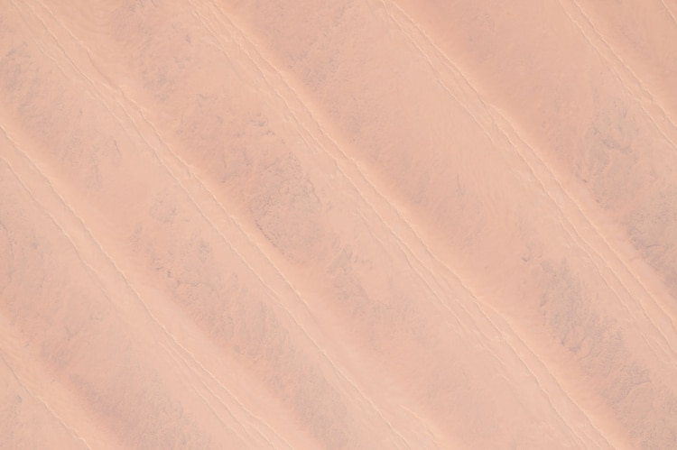 El Gran Mar de Arena en Egipto y Libia (Scott Kelly/NASA via The New York Times) — FOR EDITORIAL USE ONLY. —