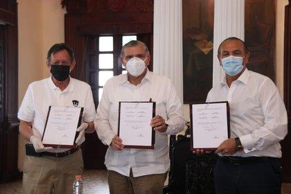 El anunció lo dio Adán Augusto López Hernández, gobernado del estado de Tabasco (Foto: Twitter/ @adan_augusto)
