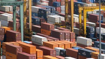 La UIA recordó que la industria es responsable del 48% de las exportaciones