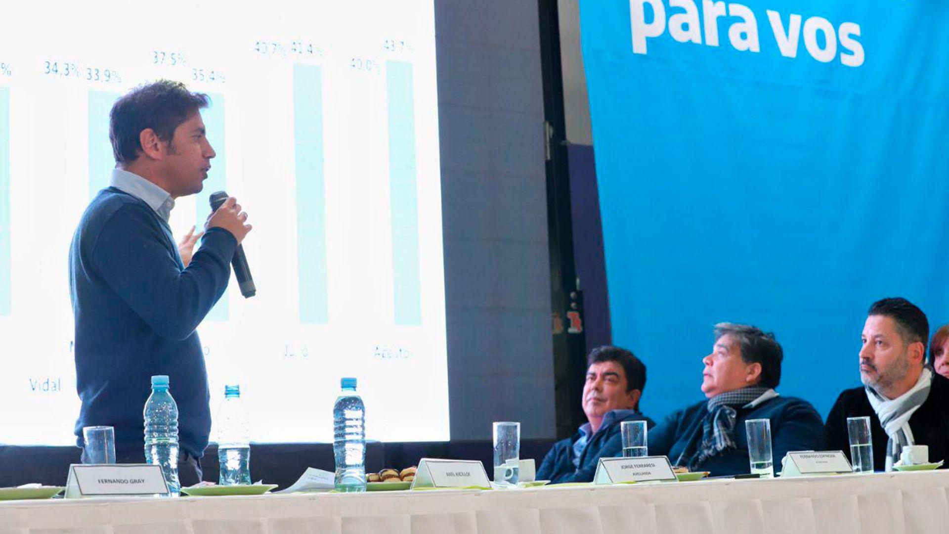 Axel Kicillof, en uno de sus primeros encuentros con intendentes peronistas de la provincia de Buenos Aires
