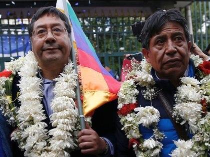 El exministro de Economía y Finanzas de Bolivia, Luis Arce, y el ex canciller David Choquehuanca registran su candidatura en La Paz. 3 de febrero de 2020. REUTERS/David Mercado
