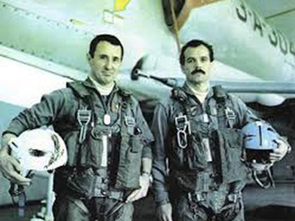 Los pilotos Philippi y Arca antes de la misión