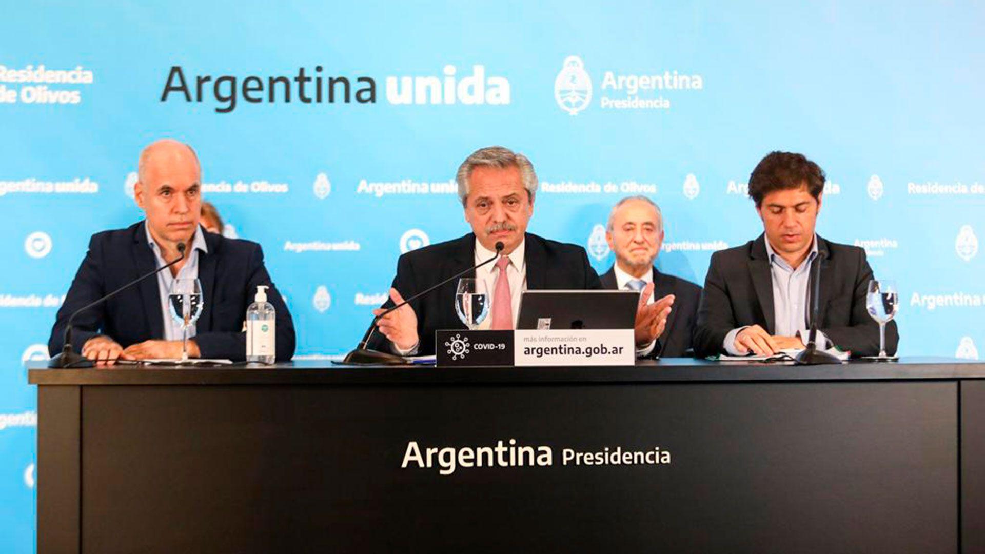 Alberto Fernández durante su último anuncio junto a Horacio Rodríguez Larreta y Axel Kicillof