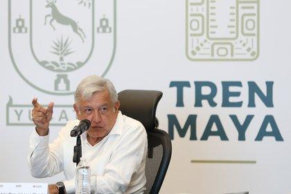 MERIDA, YUCATÁN, 12NOVIEMBRE2018.- Andrés Manuel Lopez Obrador, presidente electo de Mexico se reunió con gobernadores del sureste de Mexico y con integrantes de su gabinete para coordinar el proyecto del tren maya FOTO: SAÚL LÓPEZ /CUARTOSCURO.COM