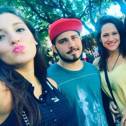 Valeria en una salida con sus hijos, Jana y Tadeo (Foto: Instagram)