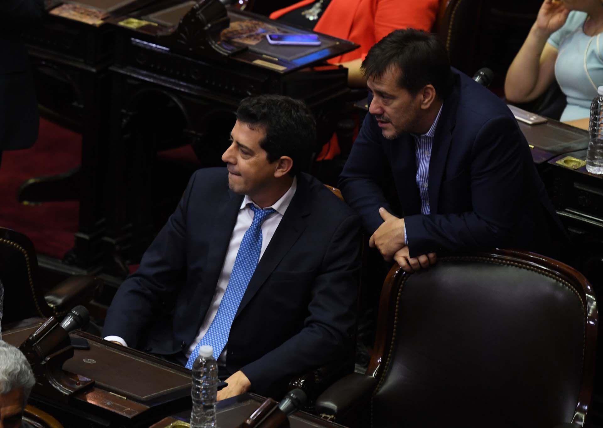 """El senador Mariano Recalde dialoga con """"Wado"""" de Pedro"""