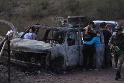 Members of La Línea would have fired from a van at the 3 vehicles where three women with 14 minors were traveling (Photo: Cuartoscuro)