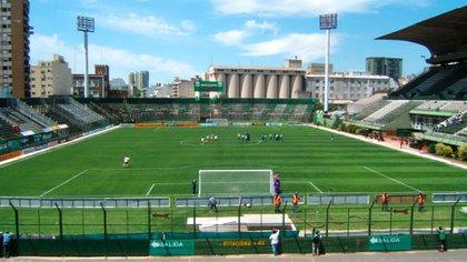 El estadio de Ferro Carril Oeste cuando aún tenía tribunas de tablones