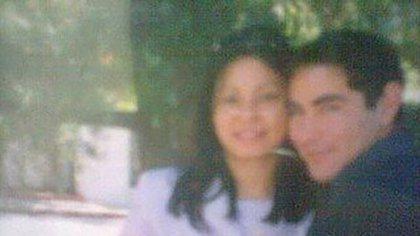 Verónica Rearte y Germán Presbiterio el día de su casamiento enoctubre de 2002.