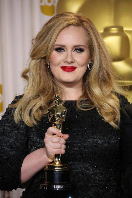 Adele  en los premios Oscar en 2013 (Shutterstock)