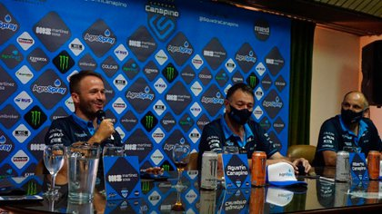 Enero de 2021, Agustín y Alberto están a la izquierda, en el show del equipo canapino.