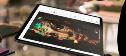 Photoshop llegó al iPad con varias opciones para facilitar su uso con el lápiz o dedo.