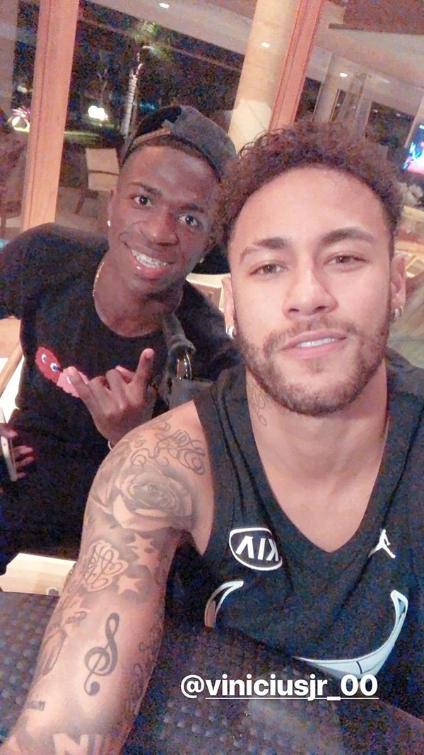 La selfie que compartieron Neymar y Vinicius Junior en sus redes sociales