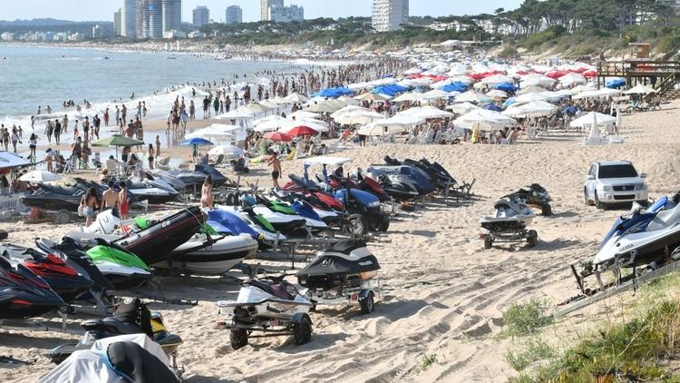 Las motos de agua y otros artefactos náuticos menores no tienen regulación de funcionamiento