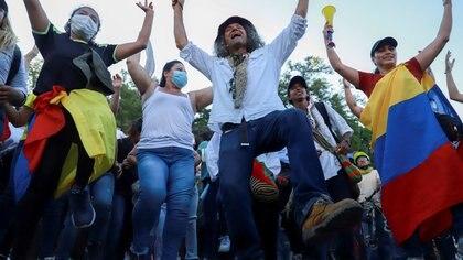 Siguen retirando bloqueos en Cali: Comité del paro anuncia caravana el fin de semana
