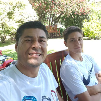 Hijo de Julio Cruz, no solo heredó el olfato de gol sino también su apodo