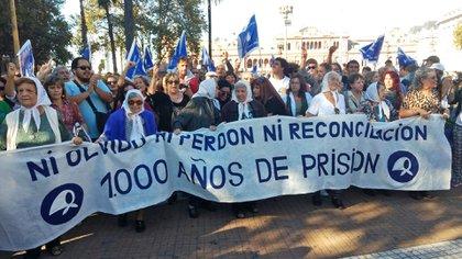Marcha de las Madres de Plaza de Mayo (@PrensaMadres)