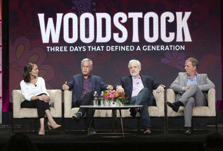 Los productores del Festival de Woodstock Susan Bellows, Joel Makower, Joel Rosenman y Barak Goodman (Foto: AP)