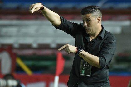 El entrenador de América Juan Cruz Real, padece covid-19, pero se encuentra asintomático EFE/Gabriel Aponte/Archivo
