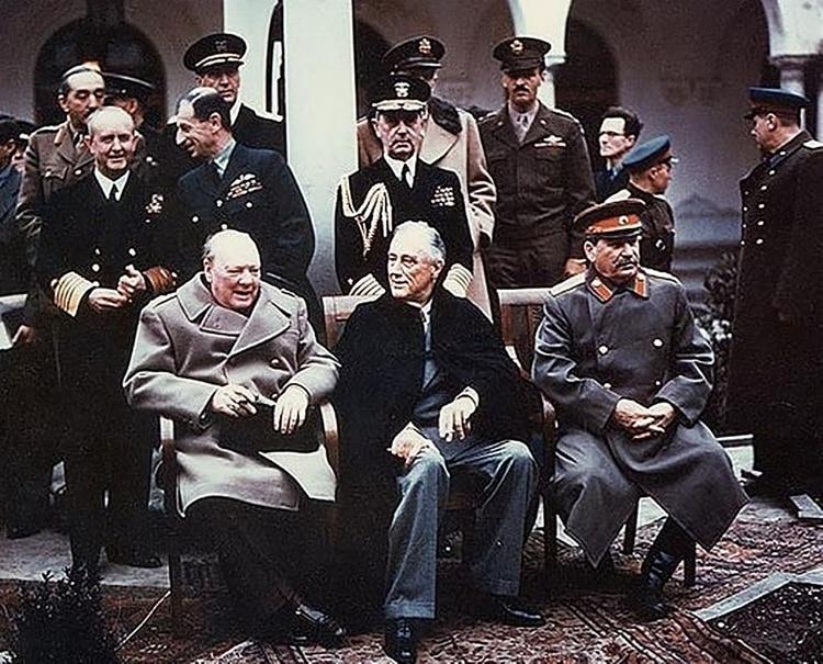 La cumbre entre Franklin D. Roosevelt, Joseph Stalin y Winston Churchill en Yalta, en 1945