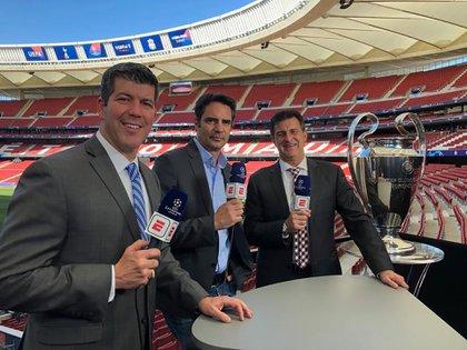 Ruiz todavía realiza algunos trabajos esporádicos como periodista: comentó al final de la Champions League 2019 con Fernando Palomo y Mario Kempes