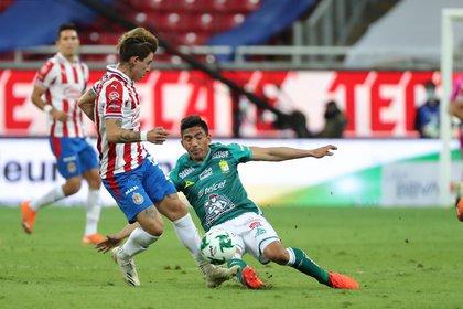 Todo se definirá en el estadio León el próximo sábado, donde el local tendrá la doble ventaja del gol visitante y su posición en la tabla (Foto: Twitter / @Chivas)