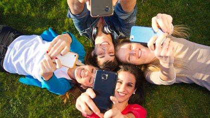 Mediados por la teconología, los adolescentes adquieren más de 200 habilidades (iStock)