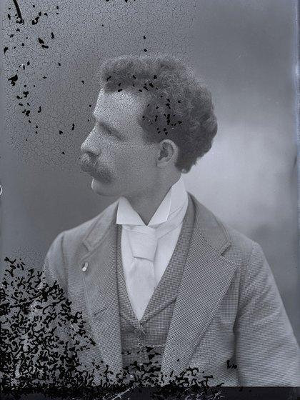 Harry Grant Olds: Sin título (autorretrato H.G. Olds, circa 1890)
