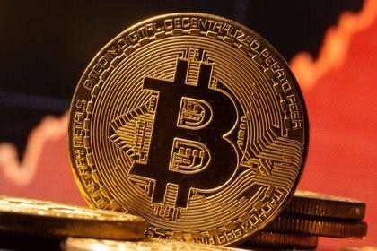 Bitcoin es sólo una de las 7 mil criptomonedas que puede usar el crimen organizado (Foto: REUTERS/Dado Ruvic)