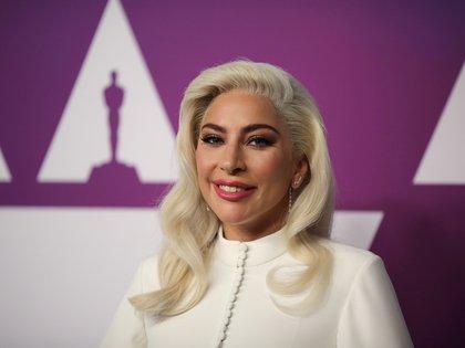 """""""Ruego por que escuchemos y creamos y prestemos más atención a aquellos alrededor de nosotros que necesitan ayuda. Echen una mano. Sean una fuerza para el cambio"""", exhorta Lady Gaga. 2019. REUTERS/David McNew"""