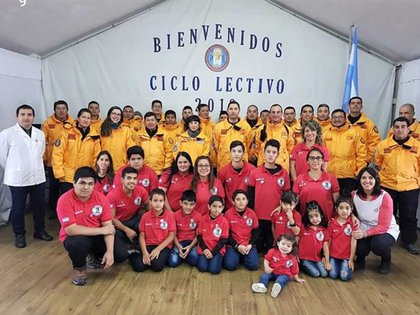 En la escuela de Base Esperanza estudian ocho chicos en Primaria y cinco en Secundaria. Foto: Gentileza Myrian Gómez.