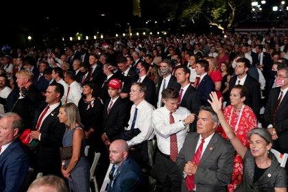 El público asistente al discurso de Trump en los jardines de la Casa Blanca. REUTERS/Kevin Lamarque     TPX IMAGES OF THE DAY